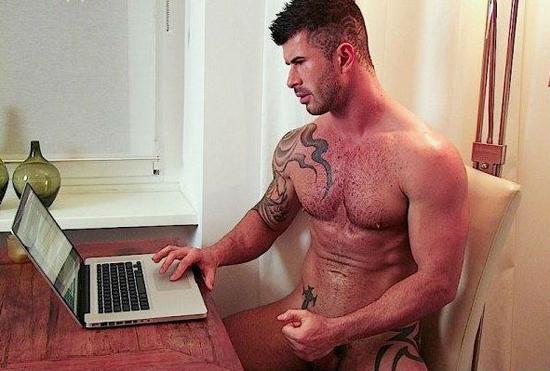 Если мужчина занимается анальной мастурбацией